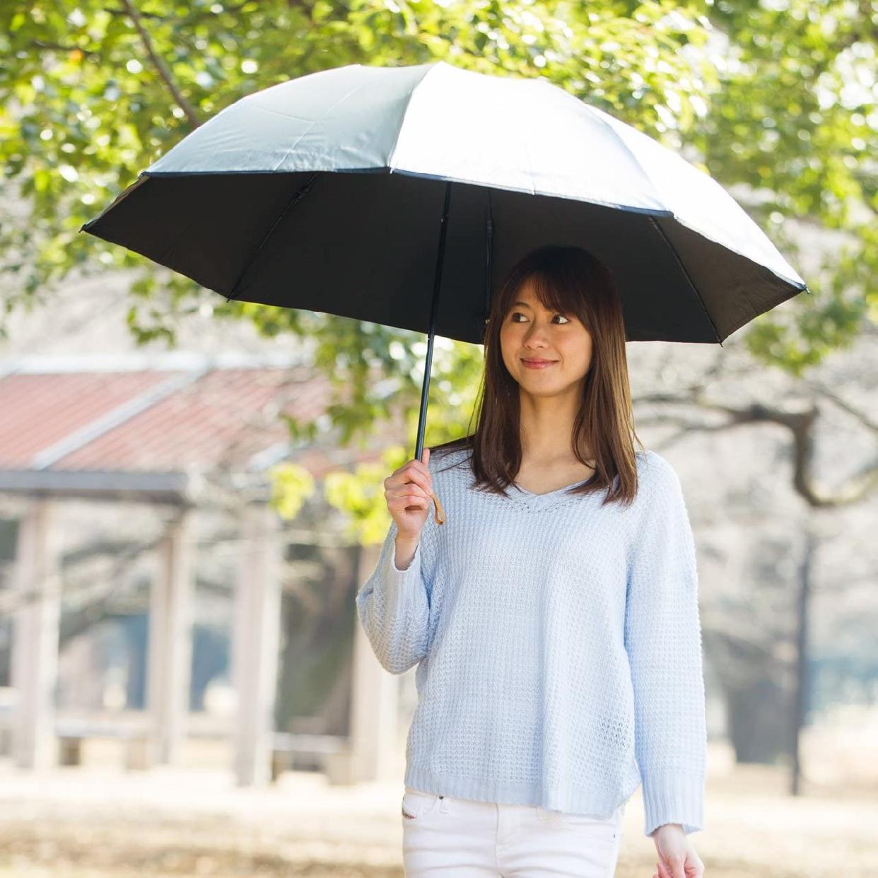 Lieben(リーベン) 日傘 晴雨兼用 大きい3つ折傘 ひんやり傘の商品画像2