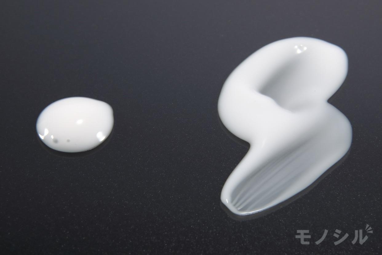 ELIXIR(エリクシール) ホワイト クリアエマルジョン T Ⅲの商品画像5 商品のテクスチャ−