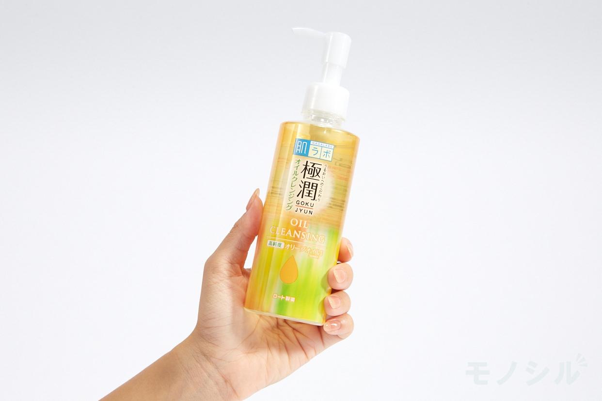 肌ラボ(HADALABO) 極潤 オイルクレンジングの商品画像2 商品を手で持って撮影した画像