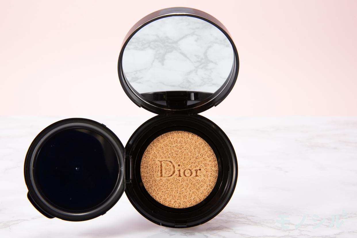 Dior(ディオール) スキン フォーエバー クッションの商品のふたを開けて撮影した画像