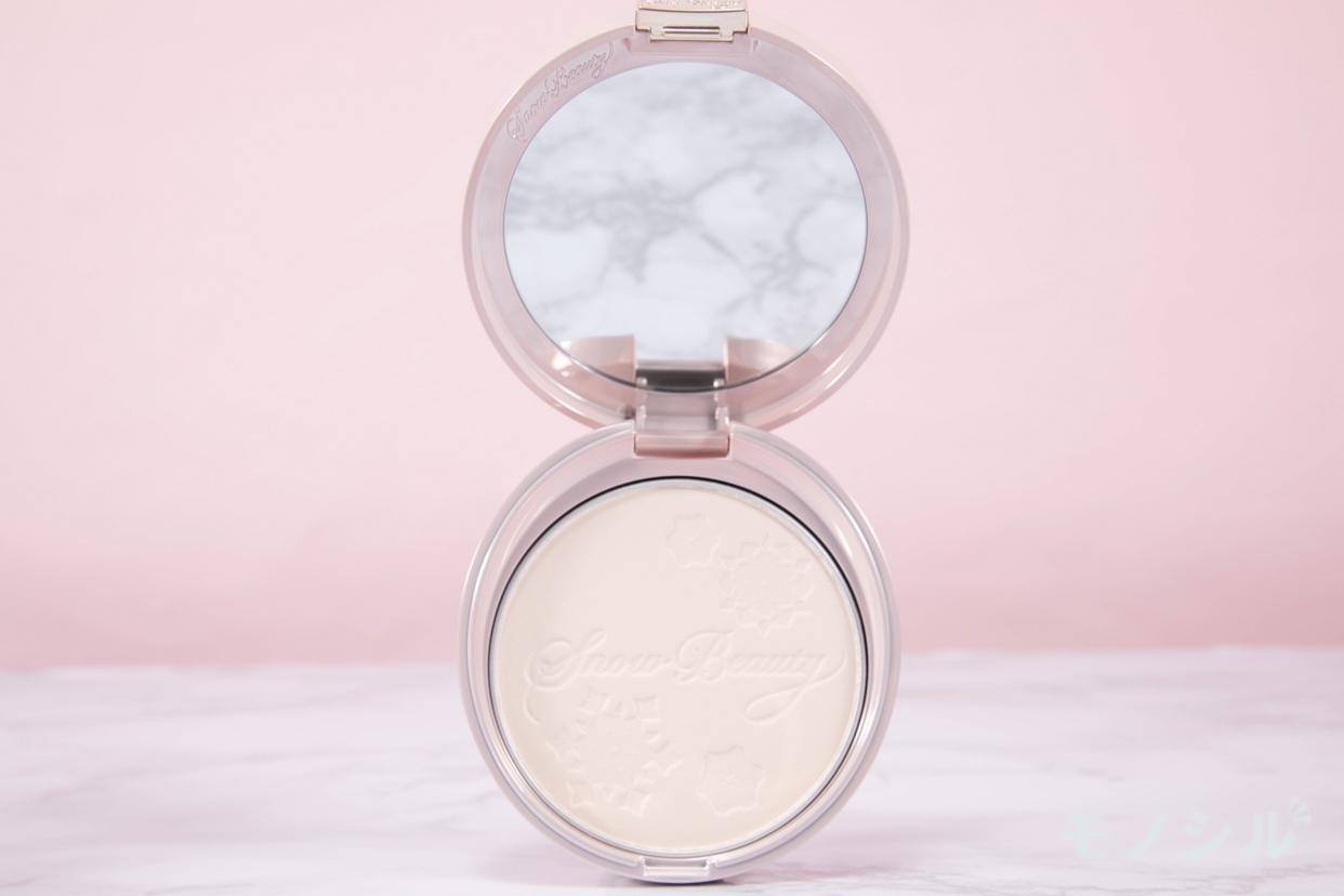 Snow Beauty(スノービューティー) ホワイトニング フェースパウダーの商品画像2 商品中身の接写