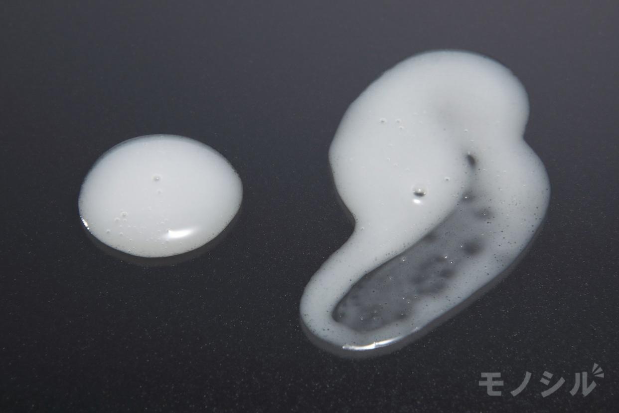雪肌精(SEKKISEI) 薬用 雪肌精 乳液の商品画像5 商品のテクスチャ−