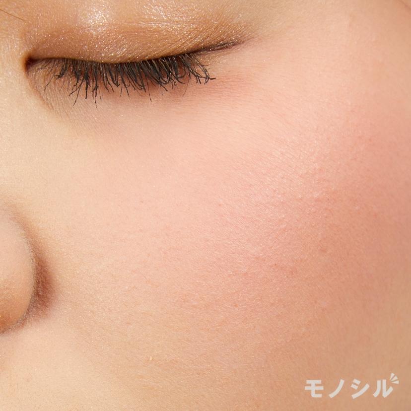 LAURA MERCIER(ローラメルシエ)ブラッシュ カラー インフュージョンの実際に頬に塗った商品の使用イメージ