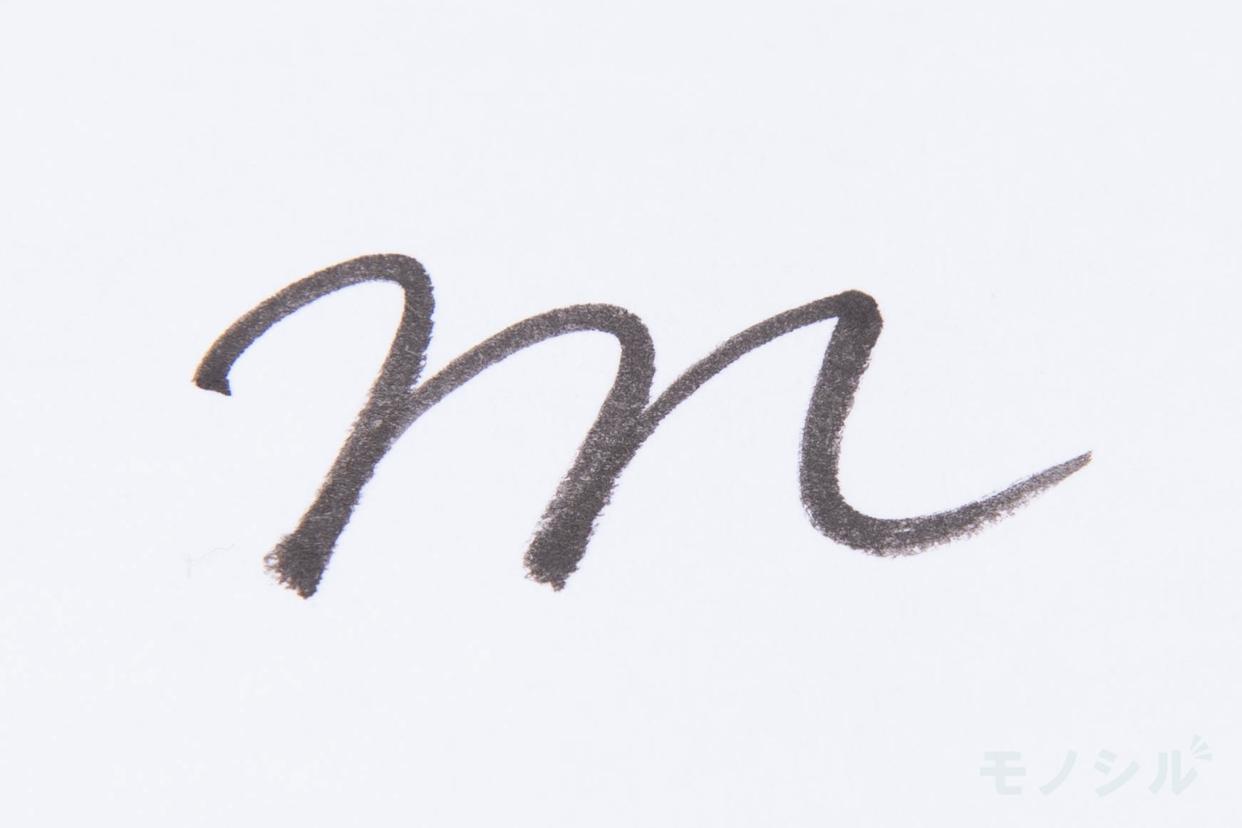 ADDICTION(アディクション)アイライナー ペンシルの商品を塗った際の太さの検証
