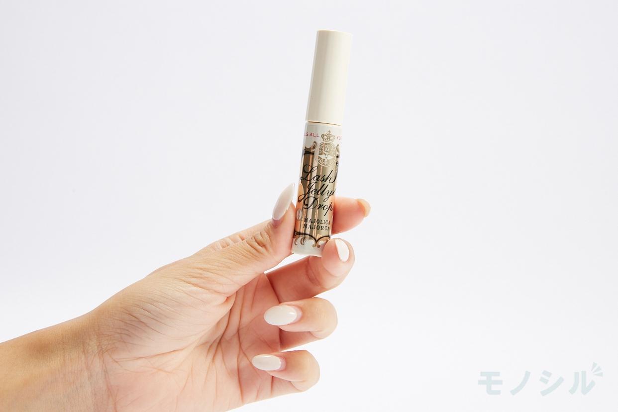 MAJOLICA MAJORCA(マジョリカ マジョルカ)ラッシュジェリードロップ EXの商品を手で持って撮影した画像