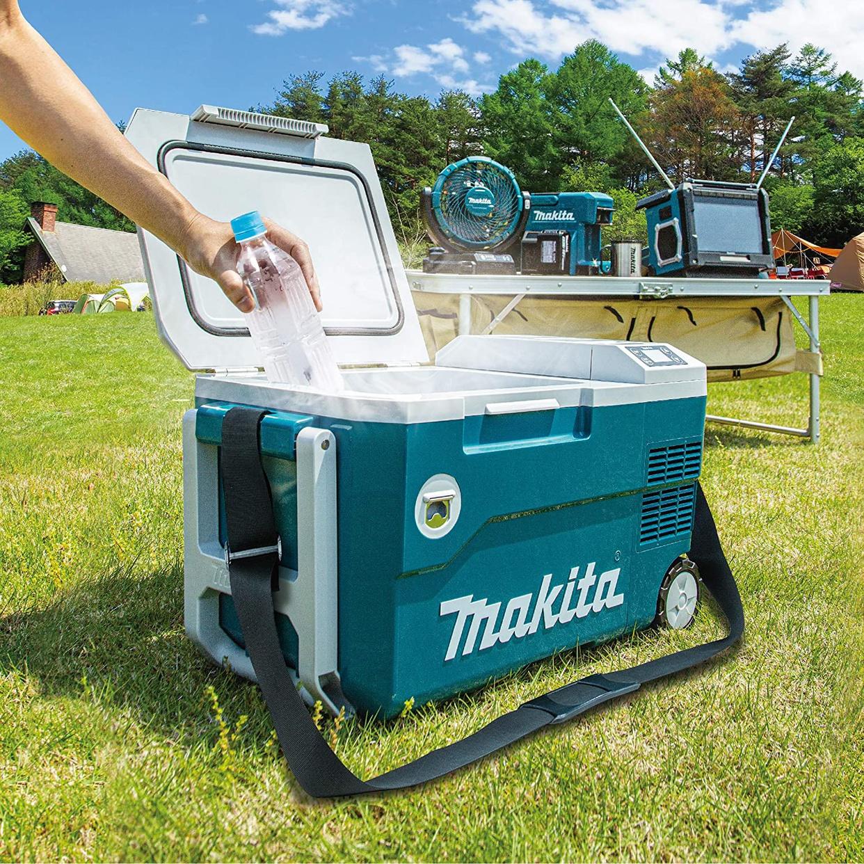 makita(マキタ) 充電式保冷温庫 CW180DZの商品画像2