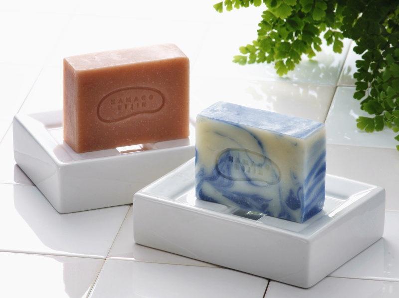 能登珍味 なまこや 洗顔化粧石鹸 なまこ美人の商品画像