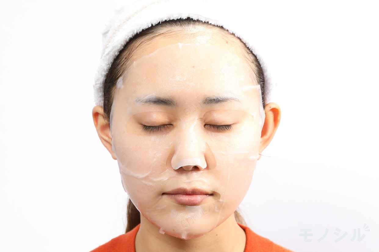 MEDIHEAL(メディヒール) P.D.F A.CドレッシングアンプルマスクEXの商品画像4 実際に商品をつけた様子