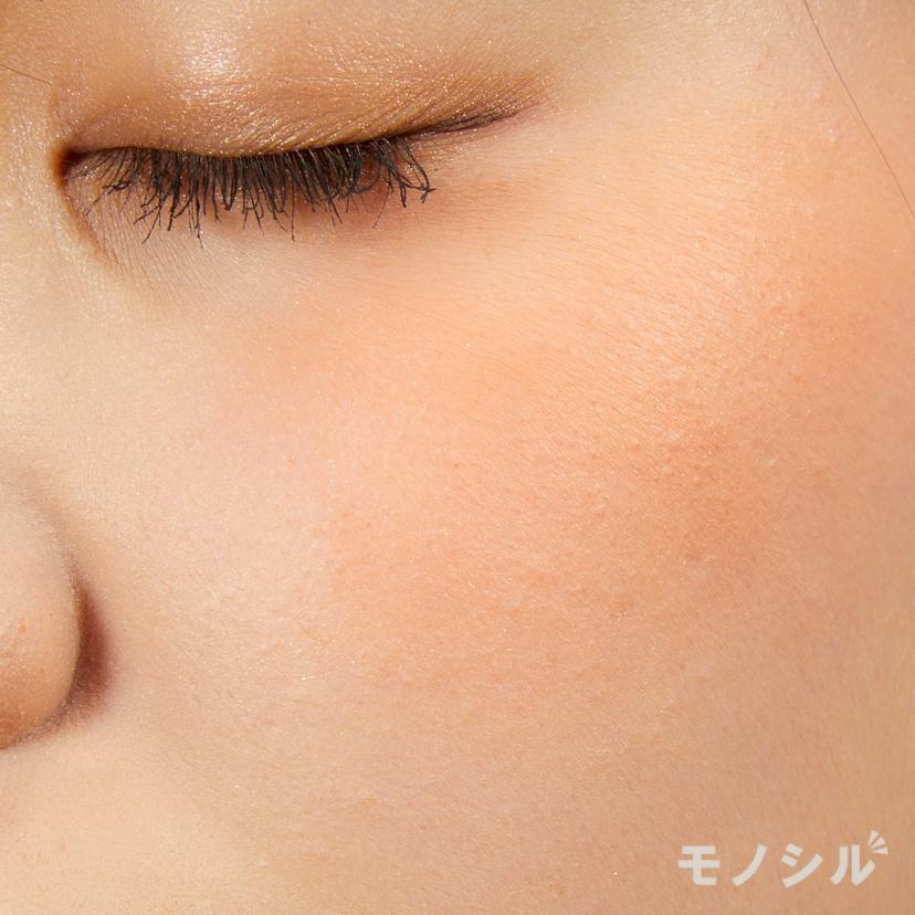 CEZANNE(セザンヌ)ナチュラル チークNの実際に頬に塗った商品の使用イメージ