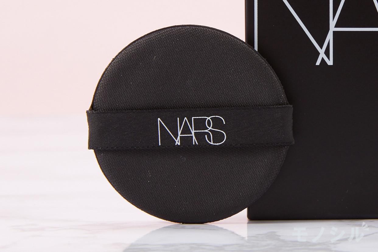 NARS(ナーズ) ナチュラルラディアント ロングウェア クッションファンデーションの商品に付属しているパフの画像
