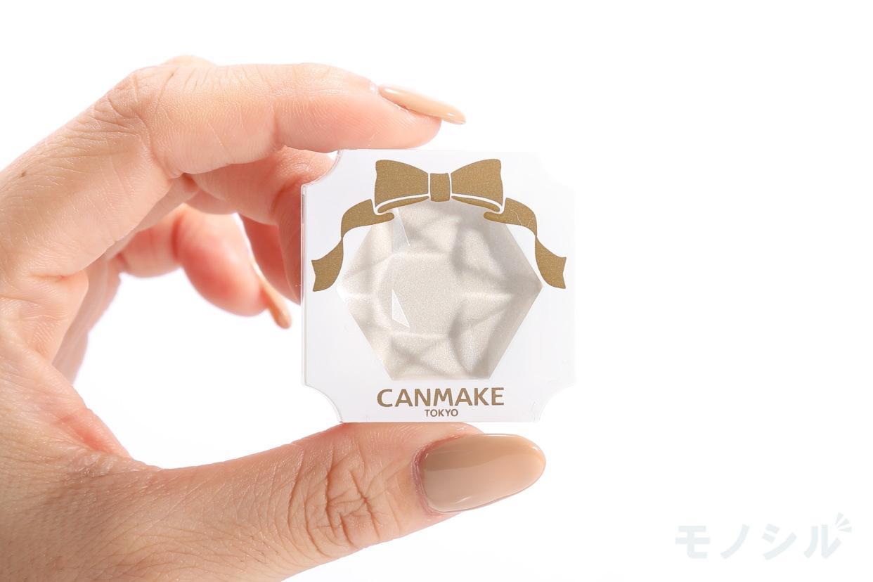 CANMAKE(キャンメイク) クリームハイライターの商品画像3 商品を手に持って撮影した画像