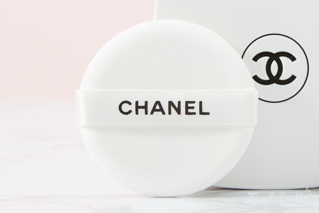 CHANEL(シャネル) ル ブラン クッションの商品画像8 商品に付属しているパフの画像