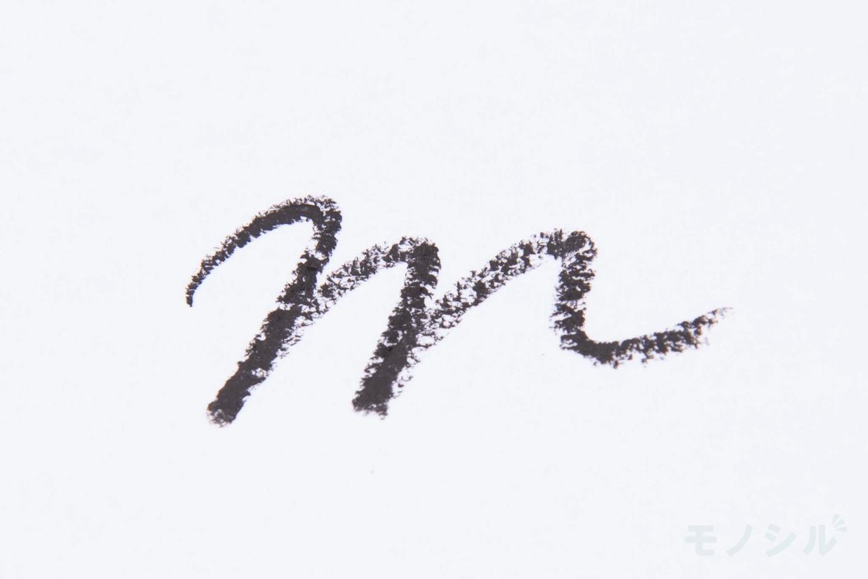 dejavu(デジャヴュ) 密着アイライナー ラスティンファイン クリームペンシルの商品画像4 商品を塗った際の太さの検証