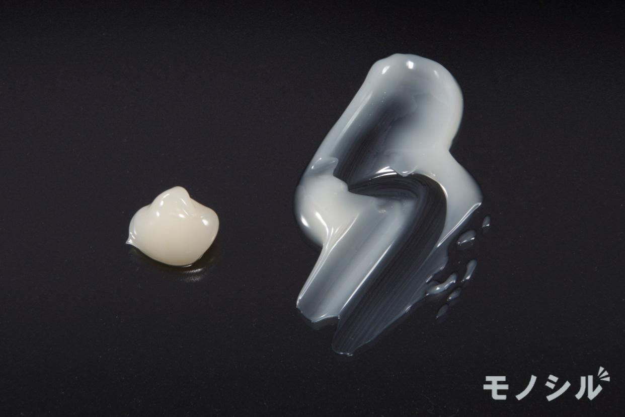 TRANSINO(トランシーノ)薬用ホワイトニングリペアクリームEXの商品のテクスチャー