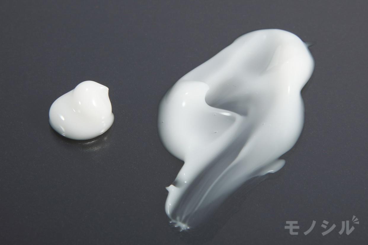 江原道(Koh Gen Do) オールインワン モイスチャー ジェルの商品のテクスチャ−
