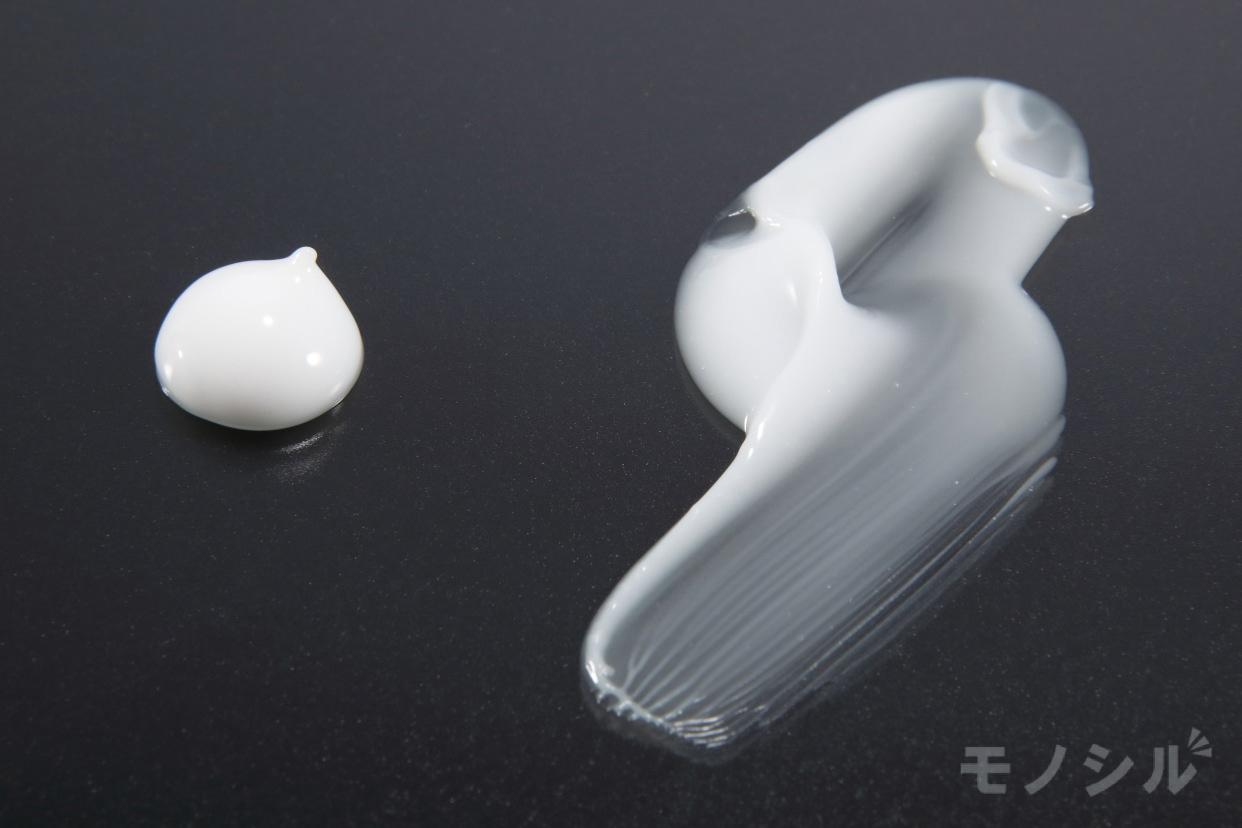 MINON(ミノン) アミノモイスト 薬用アクネケア ミルクの商品画像5 商品のテクスチャ−