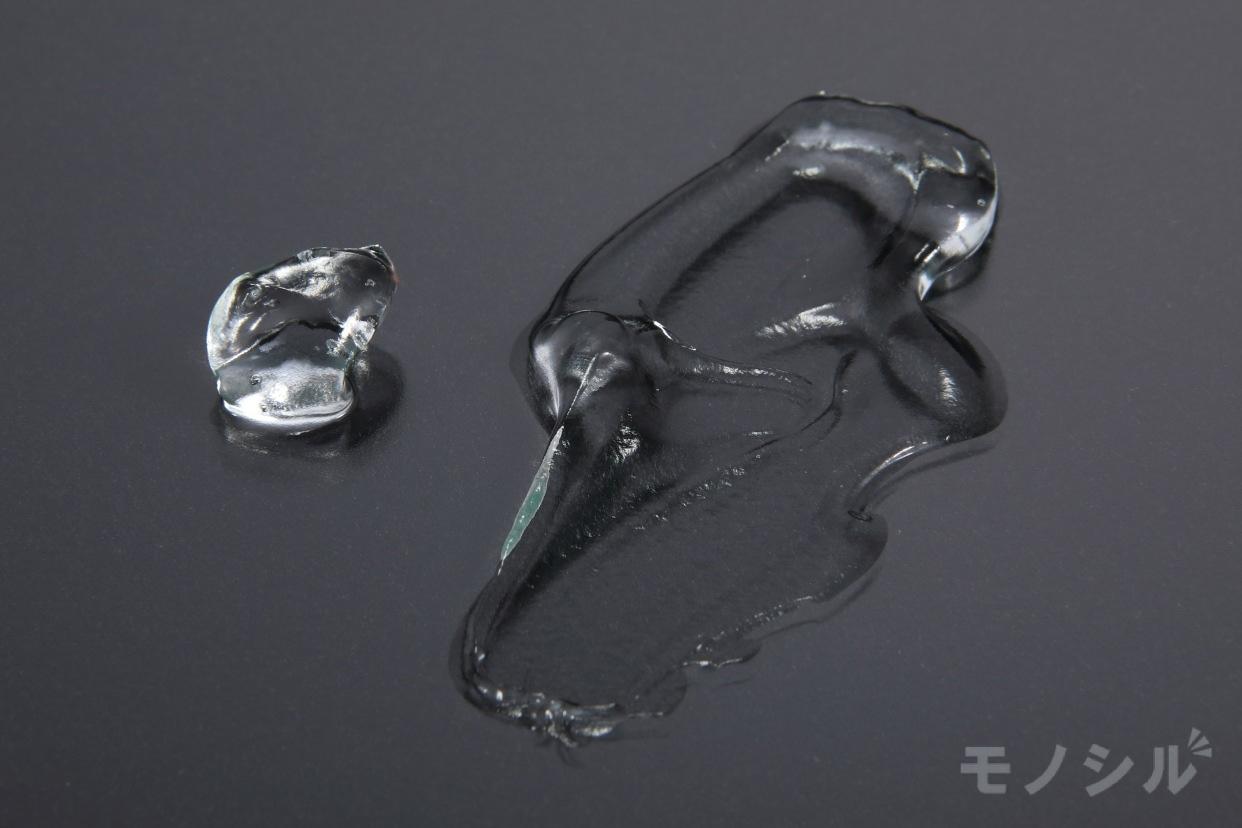 Grace&Lucere Simius(グレースアンドルケレシミウス)ホワイトニングリフトケアジェルの商品のテクスチャ−