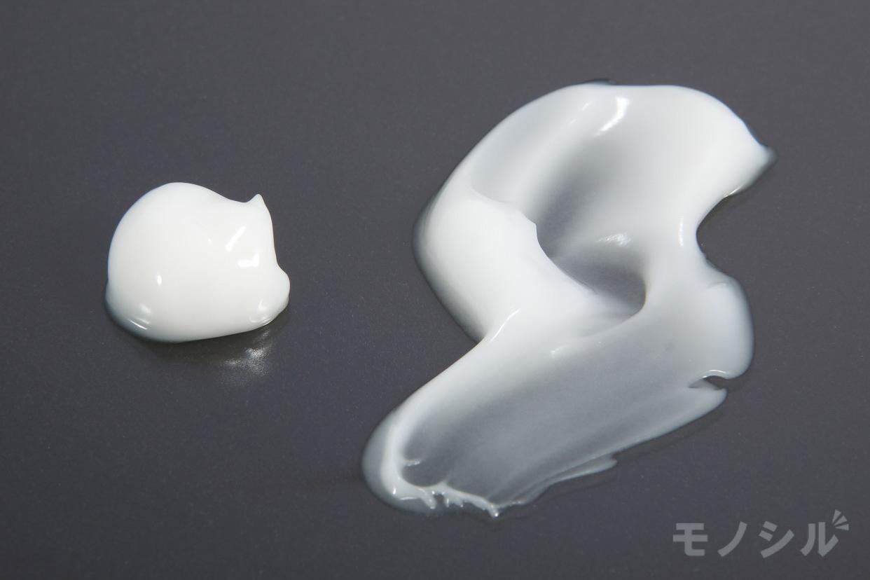 PERFECT ONE(パーフェクトワン) 薬用ホワイトニングジェルの商品画像4 商品のテクスチャ−