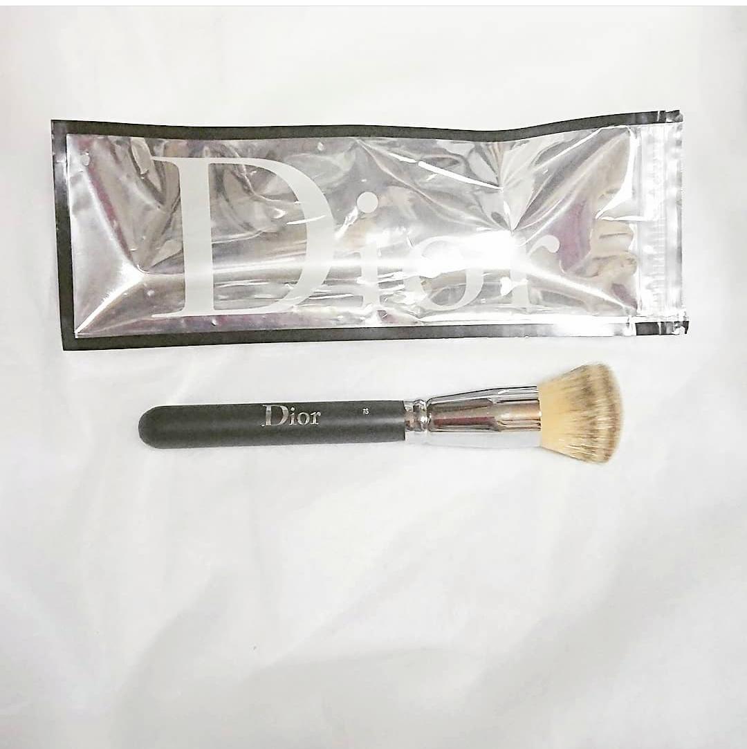 Dior(ディオール)バックステージ フルイド ファンデーション ブラシ フルカバーを使ったErikaさんのクチコミ画像1