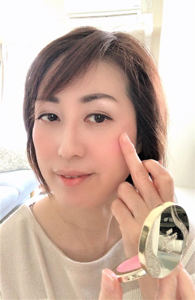 Elégance(エレガンス)スリーク フェイス Nを使った 真鍋 貴代子さんの口コミ画像1