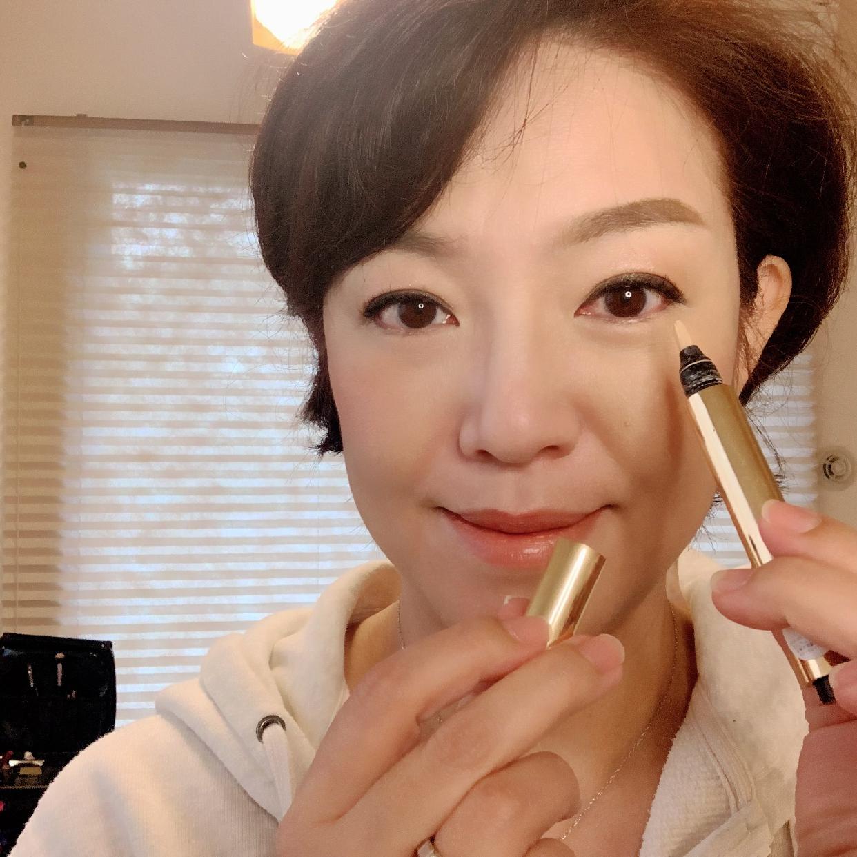 Yves Saint Laurent(イヴサンローラン)ラディアント タッチを使った 豊島 あき子さんの口コミ画像1