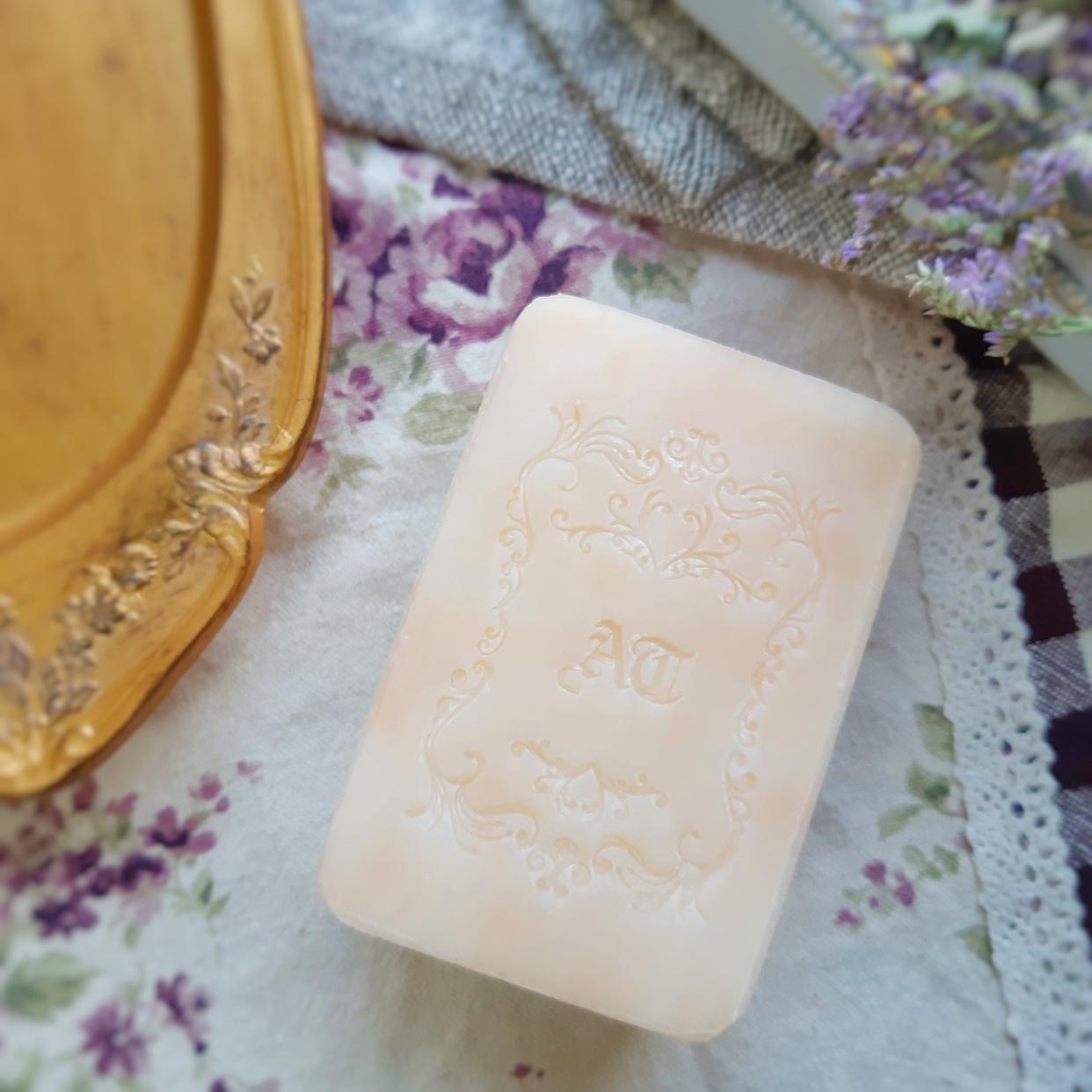 麗凍化粧品(Reitou Cosme) 薔薇はちみつ石鹸を使った銀麦さんのクチコミ画像3