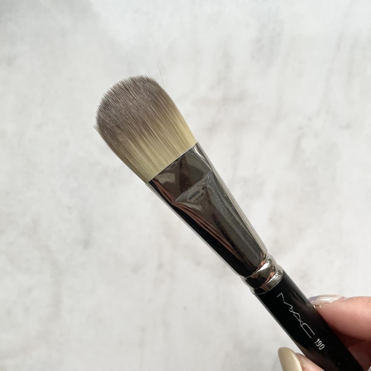 M・A・C(マック)#190 ファンデーション ブラシを使った若杉晴香さんのクチコミ画像3