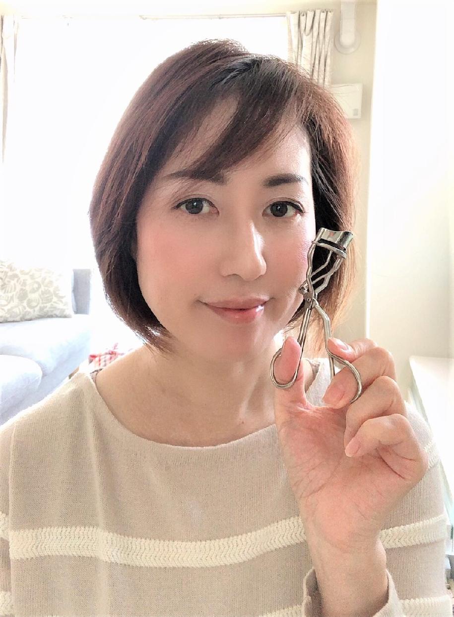 SUQQU(スック)アイラッシュ カーラーを使った 真鍋 貴代子さんの口コミ画像1