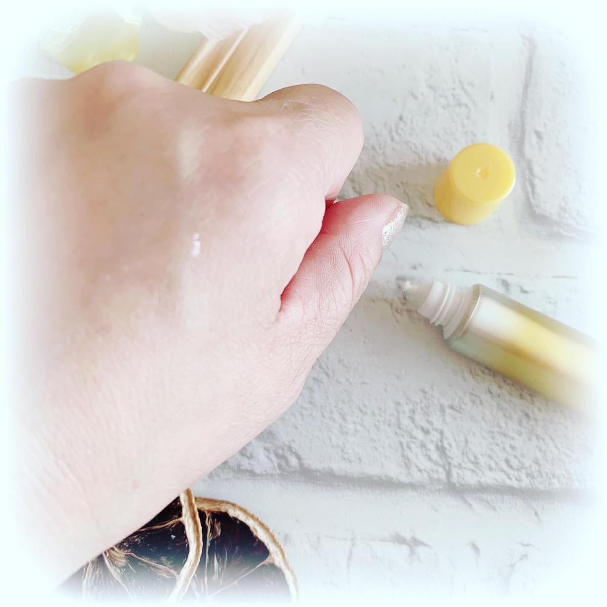 メラノCC 薬用 しみ 集中対策 美容液を使ったsnowmiさんのクチコミ画像3