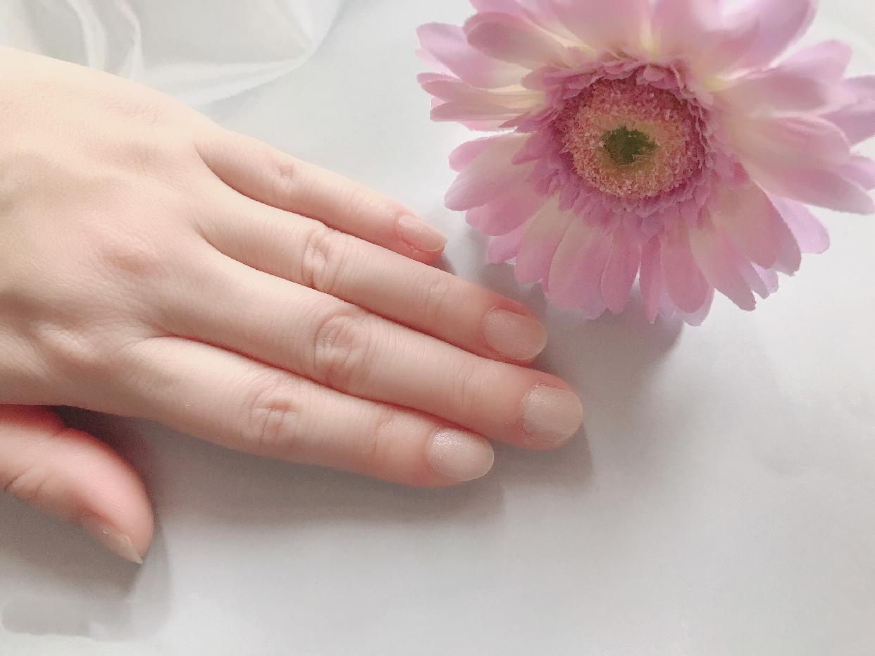 ZOYA(ゾーヤ)ネイルカラーを使った 土肥 真依子さんの口コミ画像1