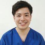 鍼灸師 / 姿勢分析師 / 4DSヨガインストラクター |  金城 文仁