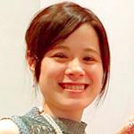 現役美容部員 / コスメコンシェルジュ |  土屋 瞳(ひとりん)