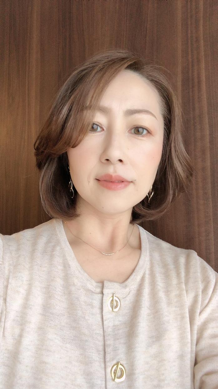 美容ブロガー / ネイリスト検定2級 / 化粧品検定3級 tomo