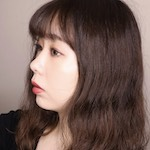 現役美容部員 / 美容ライター |              aimori miku