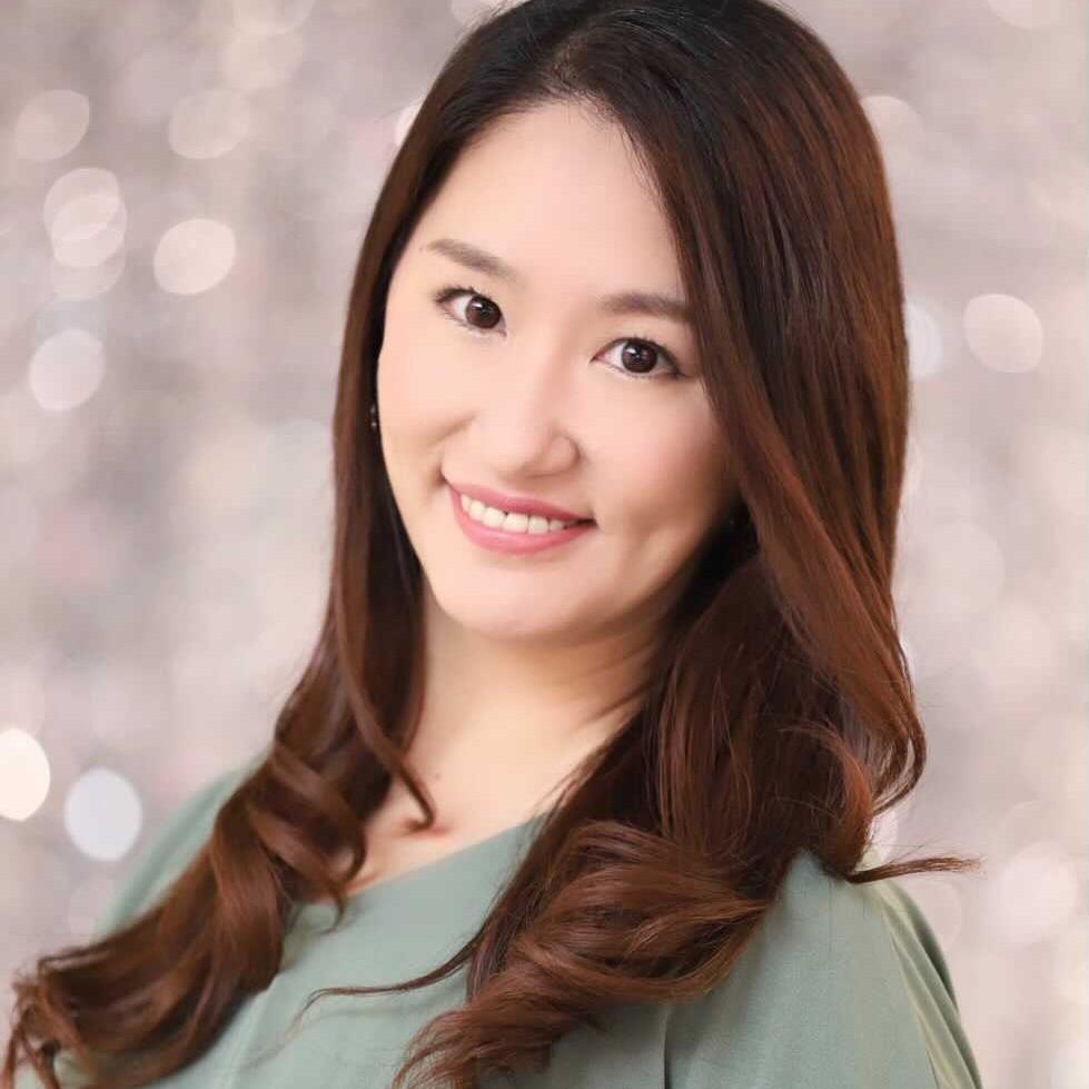 美容研究家、文筆家、モデル |  奥島 美帆