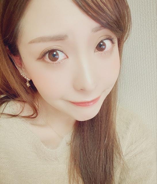 美容専門学校卒、日本エステティシャン協会認定試験合格 |  siratama
