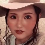 ネイリスト/パーソナルカラーアナリスト/元美容師 |  ME