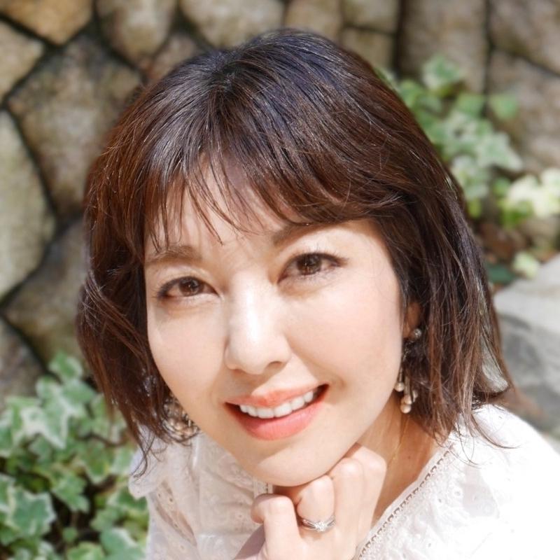 美容ブロガー / 読者モデル / インフルエンサー |              仲野 和代